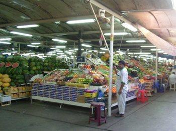 ドバイ野菜市場-2.jpg